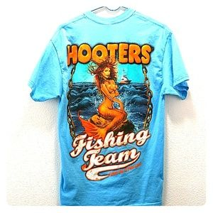 Hooters Men's Graphic Fishing Tee L